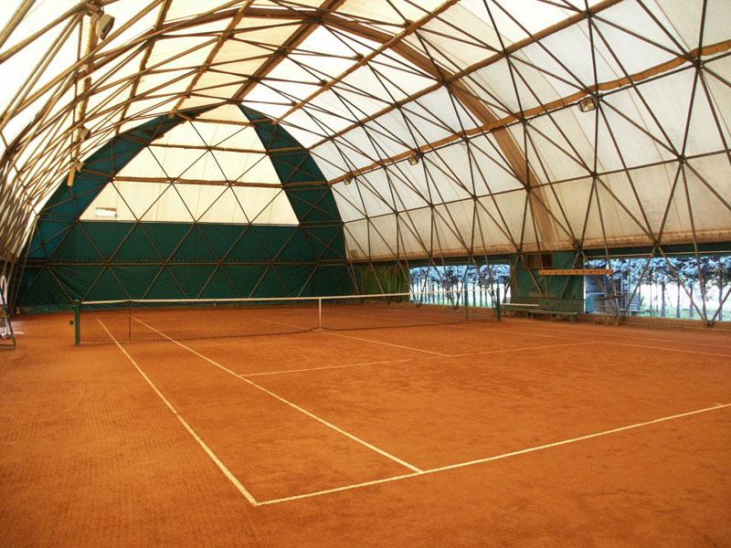 Campo da tennis al coperto circolo Polisportiva Pontelungo Bologna
