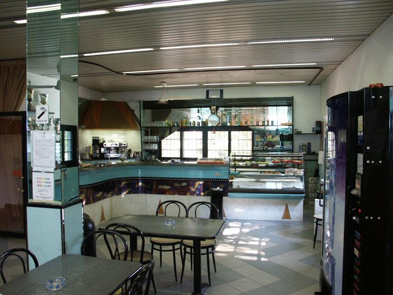 bar ristorante all'aperto e Impianti Sportivi tennis beach volley Polisportiva Pontelungo Bologna